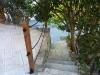 Escalier donnant sur la voie privee